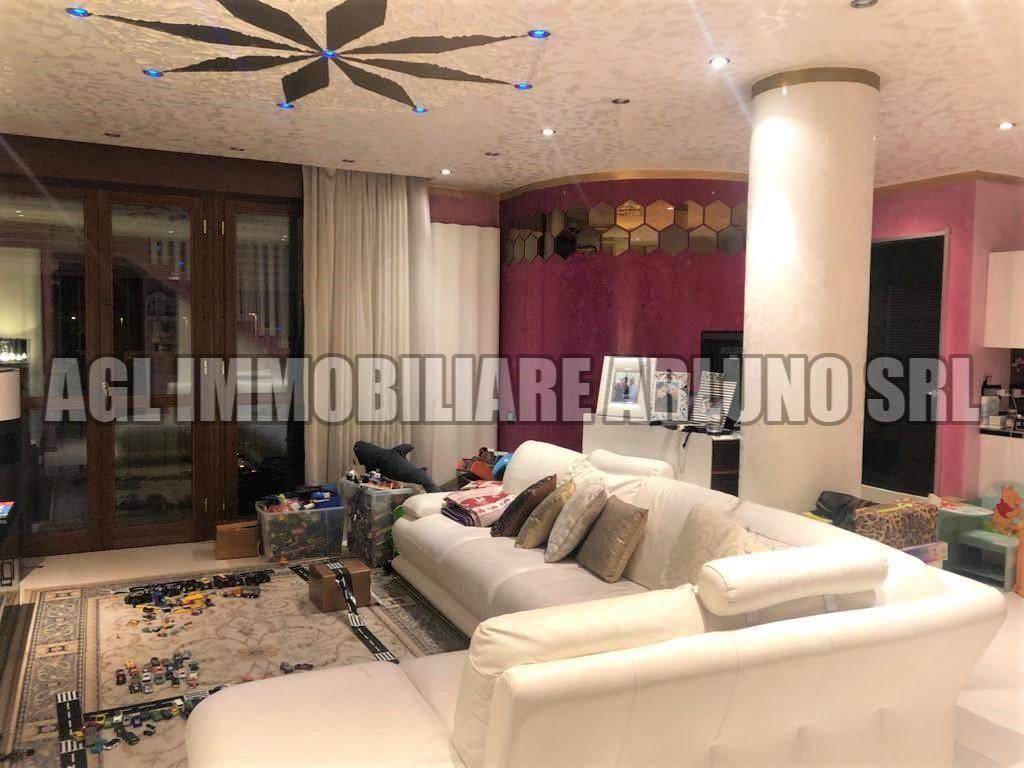Appartamento in vendita a Bareggio, 4 locali, prezzo € 250.000 | PortaleAgenzieImmobiliari.it
