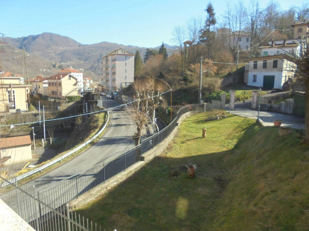 Appartamento in vendita a Ronco Scrivia, 6 locali, prezzo € 63.000 | PortaleAgenzieImmobiliari.it