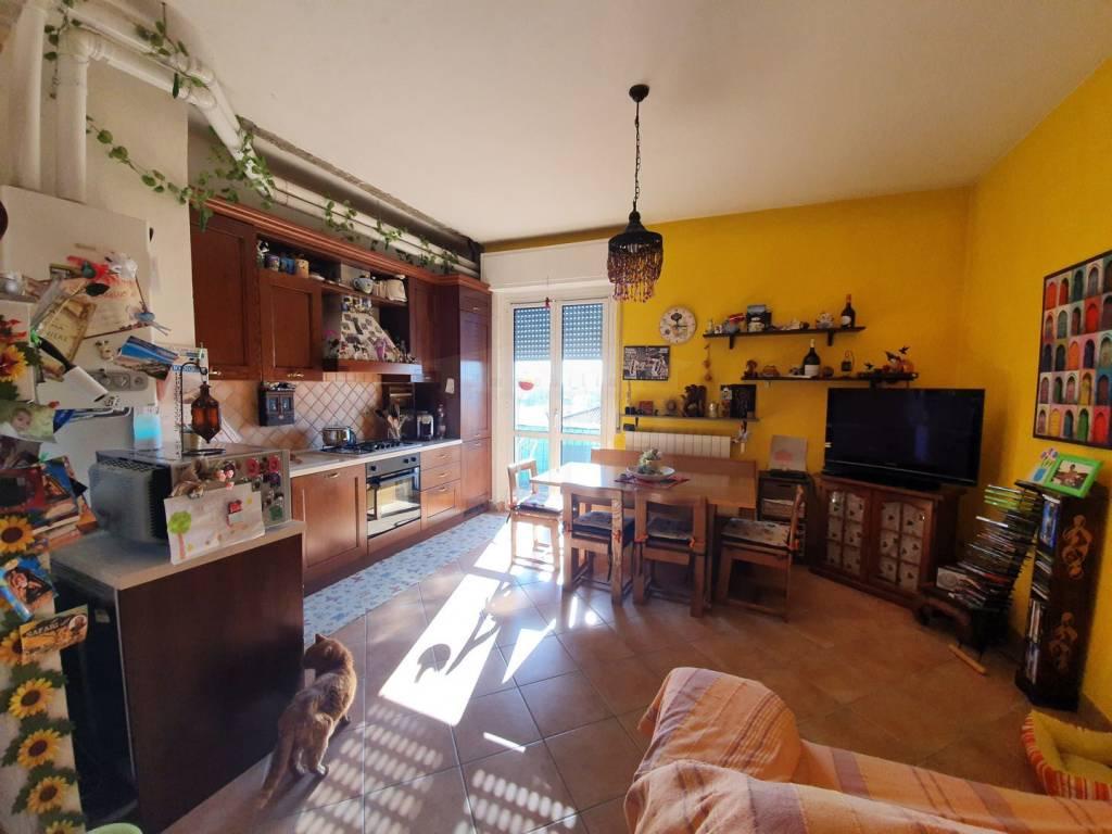 Appartamento in vendita a Oggiona con Santo Stefano, 3 locali, prezzo € 88.000 | CambioCasa.it