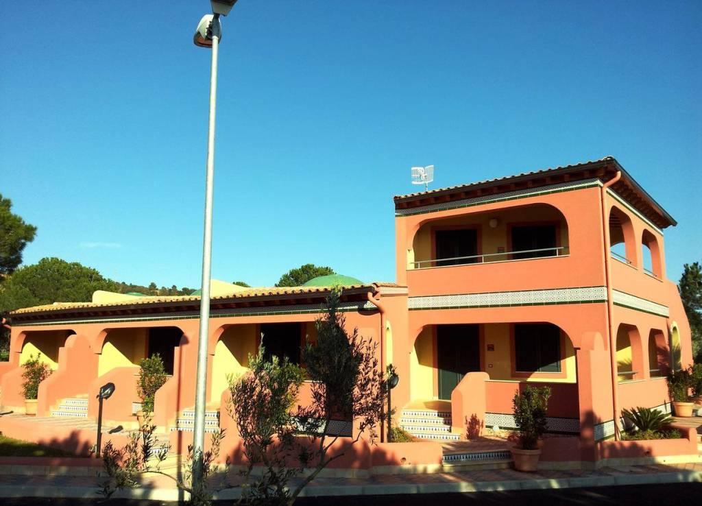 Villa in Vendita a Sciacca: 4 locali, 320 mq
