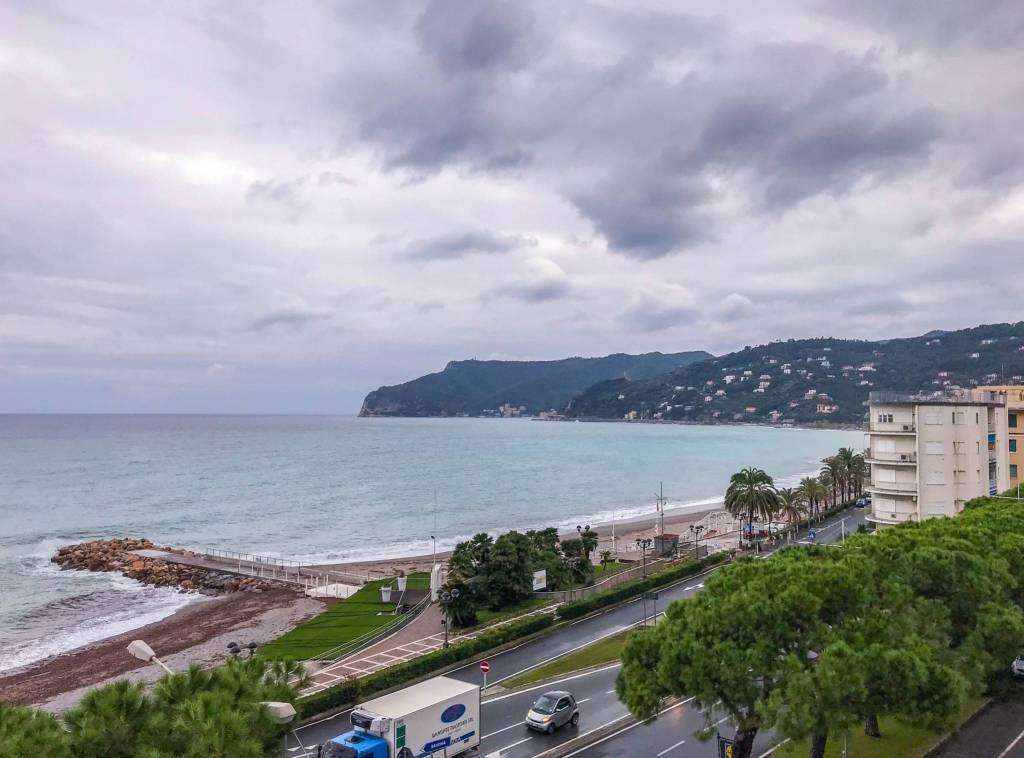 Appartamento in vendita a Spotorno, 3 locali, prezzo € 660.000 | PortaleAgenzieImmobiliari.it