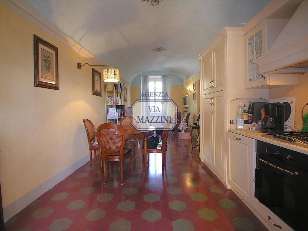 Appartamento in ottime condizioni parzialmente arredato in affitto Rif. 9036045