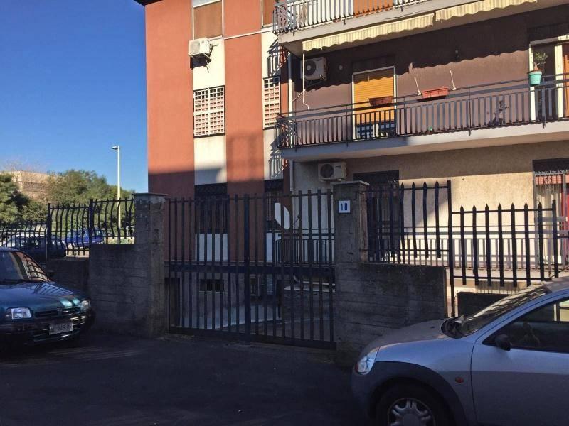 Posto-box auto in Vendita a Catania Semicentro Nord: 25 mq  - Foto 1