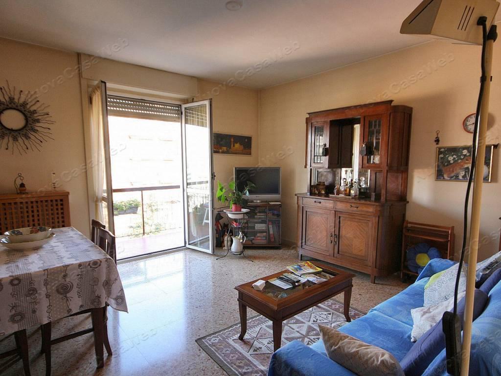 Appartamento in vendita a Arese, 3 locali, prezzo € 142.000 | CambioCasa.it