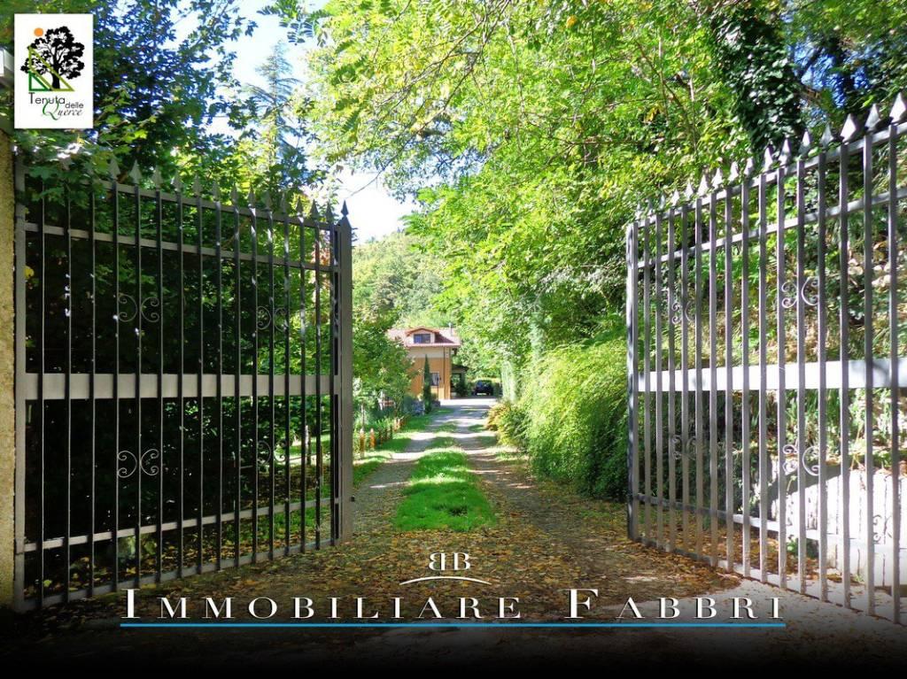 Villa in Vendita a Vergato Periferia: 5 locali, 800 mq