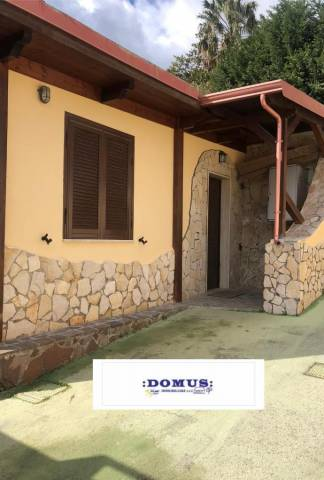 Appartamento in buone condizioni arredato in affitto Rif. 7310586