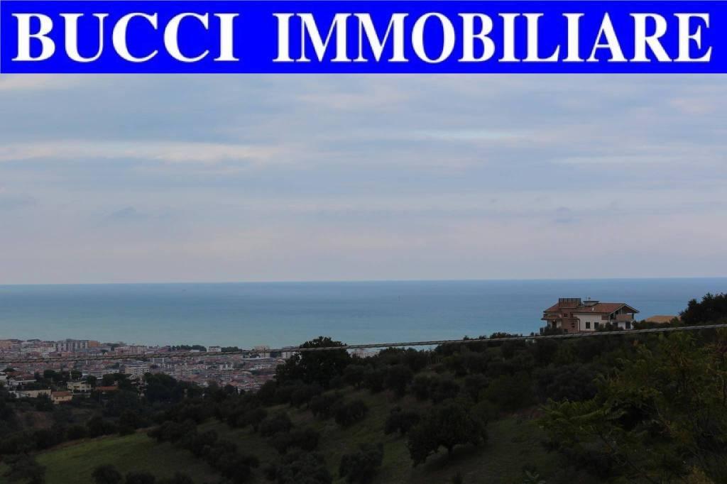 Attico / Mansarda in vendita a Pescara, 4 locali, prezzo € 215.000 | PortaleAgenzieImmobiliari.it