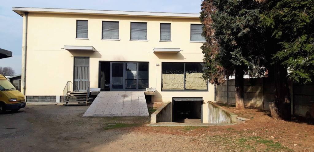 Laboratorio in affitto a Cardano al Campo, 1 locali, prezzo € 3.333 | PortaleAgenzieImmobiliari.it