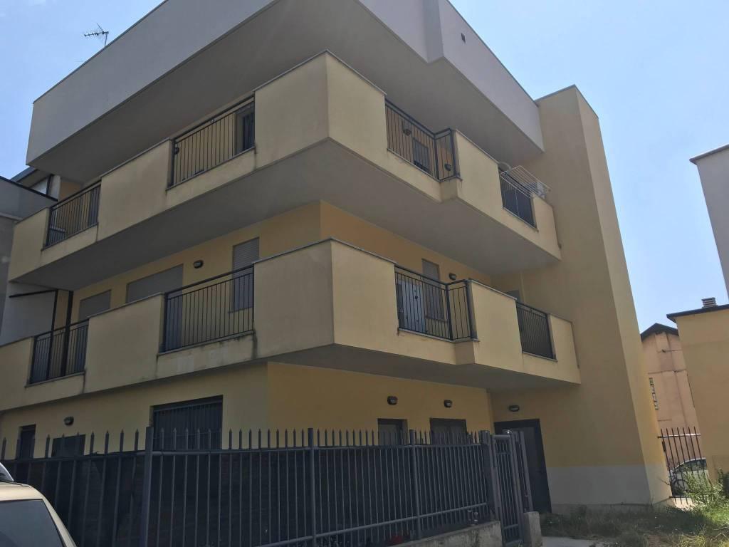 Ufficio / Studio in vendita a Bareggio, 3 locali, prezzo € 140.000 | CambioCasa.it