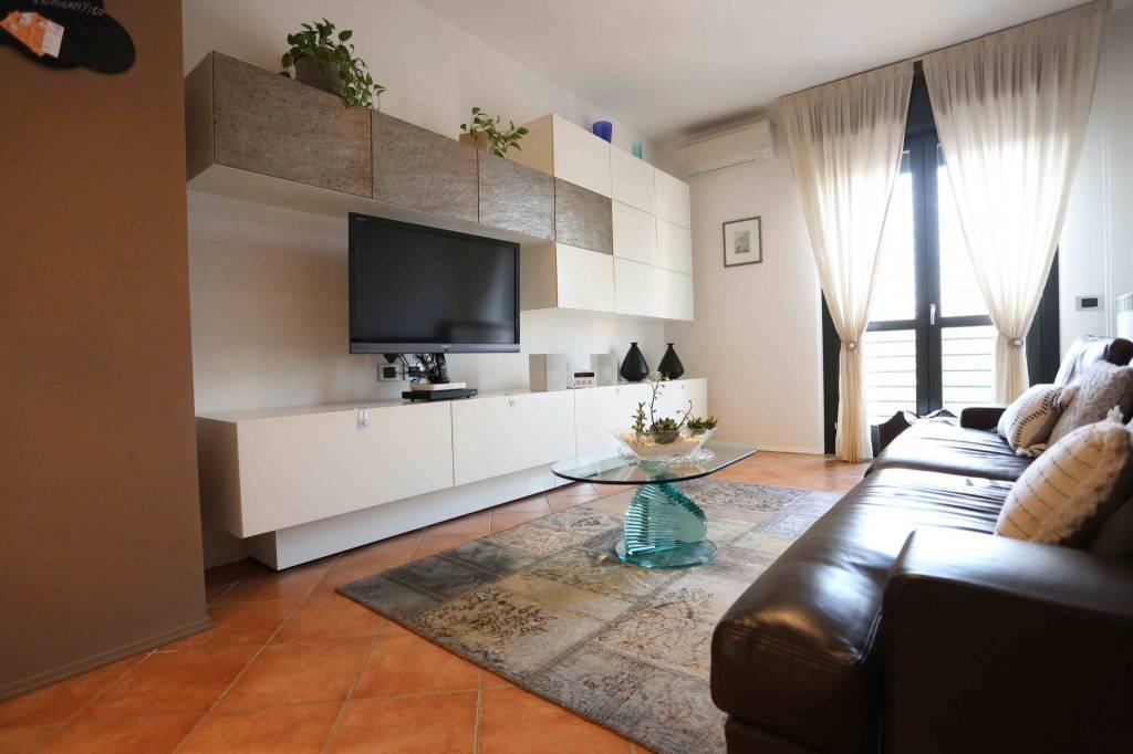 Appartamento in vendita a Massalengo, 3 locali, prezzo € 120.000 | CambioCasa.it