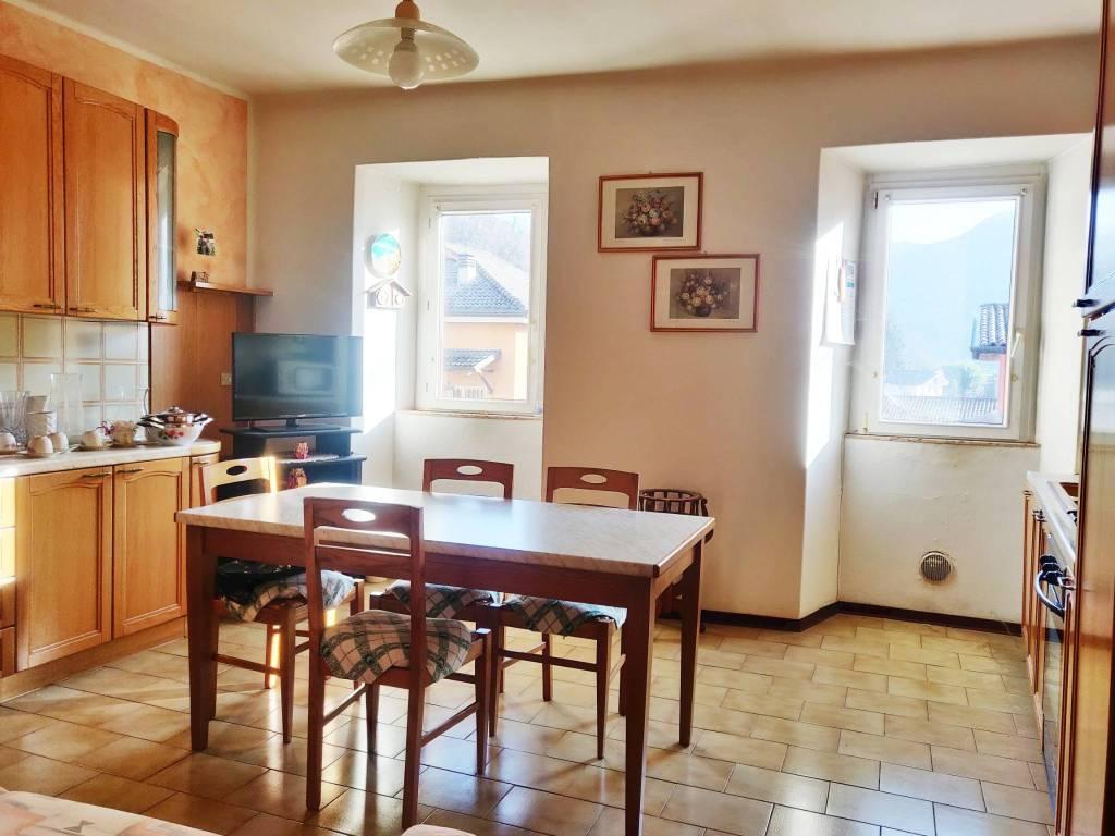 Appartamento in vendita a Albino, 5 locali, prezzo € 79.000   PortaleAgenzieImmobiliari.it