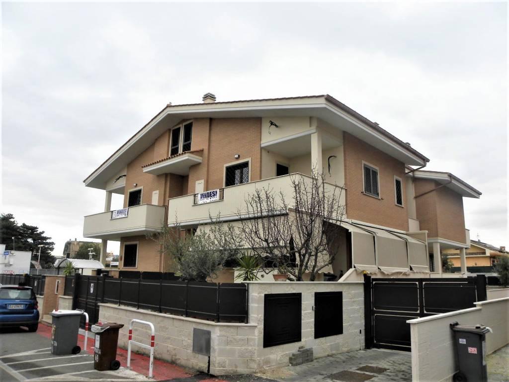 Appartamento in vendita a Ciampino, 4 locali, prezzo € 289.000 | CambioCasa.it