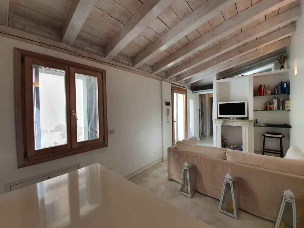 Appartamento in vendita a Venezia, 3 locali, prezzo € 385.000 | PortaleAgenzieImmobiliari.it