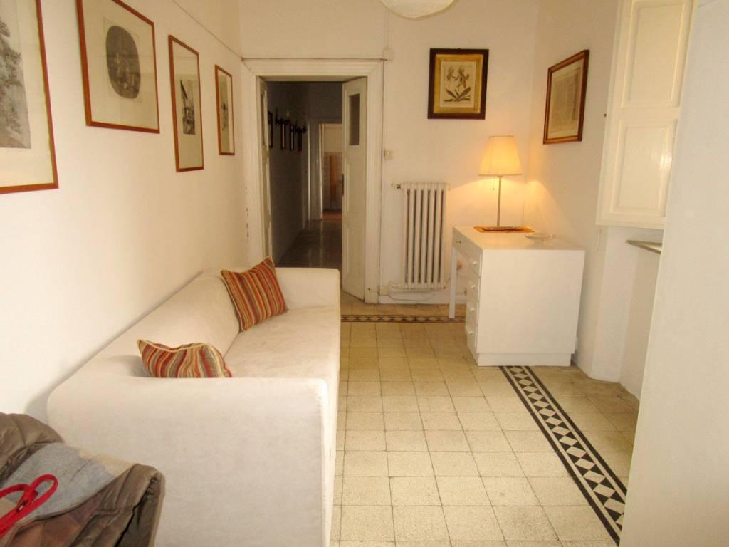 Appartamento in buone condizioni arredato in affitto Rif. 8573162