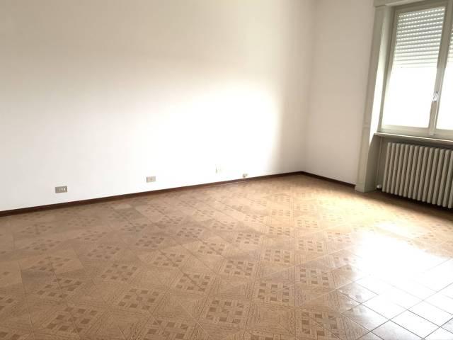 Appartamento in buone condizioni in affitto Rif. 4401278