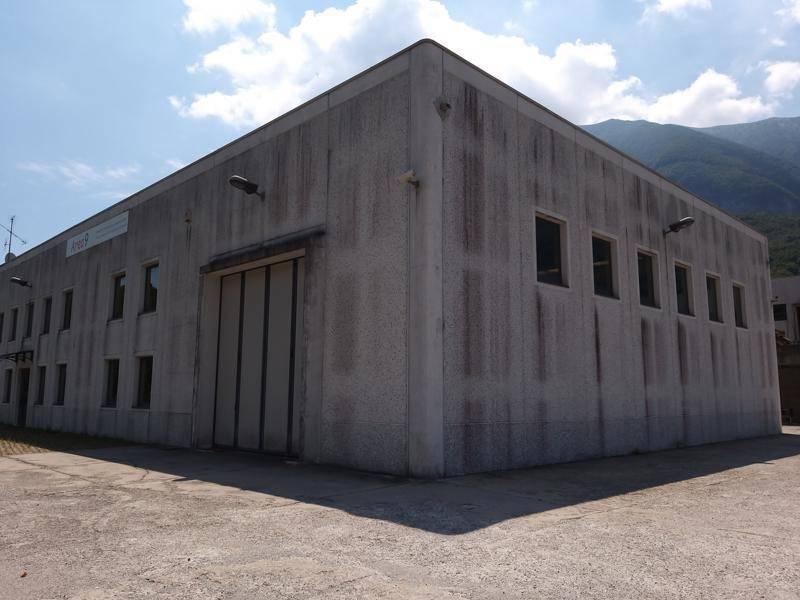 Capannone in vendita a Menaggio, 6 locali, prezzo € 480.000 | CambioCasa.it