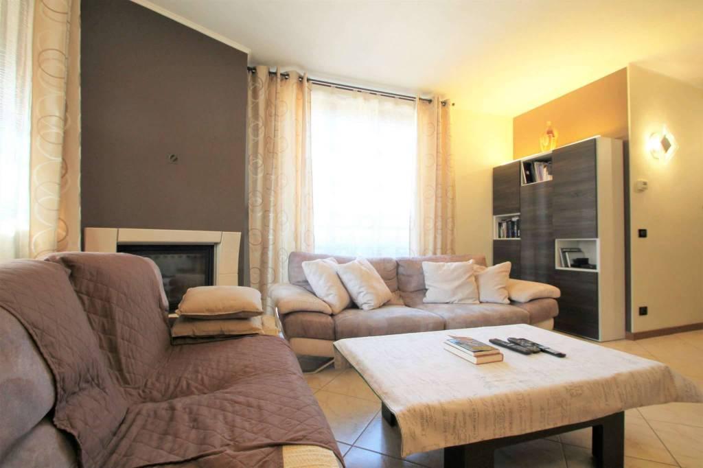 Appartamento in vendita a Cambiago, 4 locali, prezzo € 185.000 | CambioCasa.it