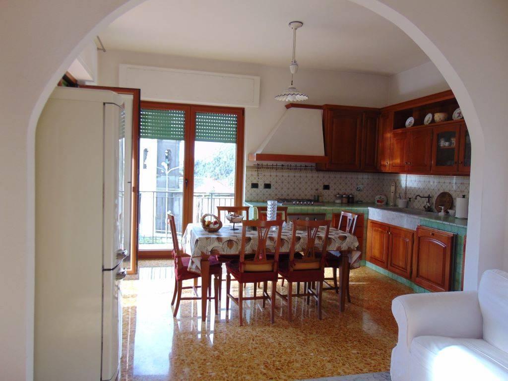 Appartamento in vendita a Deiva Marina, 6 locali, prezzo € 153.000   PortaleAgenzieImmobiliari.it
