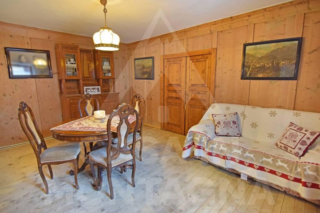 Appartamento in buone condizioni arredato in vendita Rif. 8467390