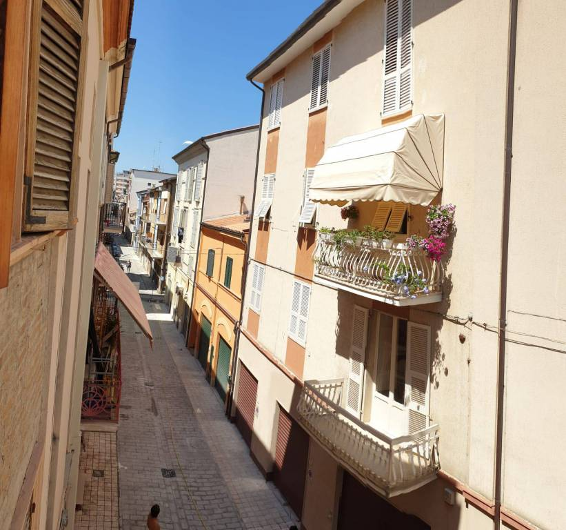 Negozio / Locale in vendita a Civitanova Marche, 2 locali, prezzo € 65.000 | CambioCasa.it