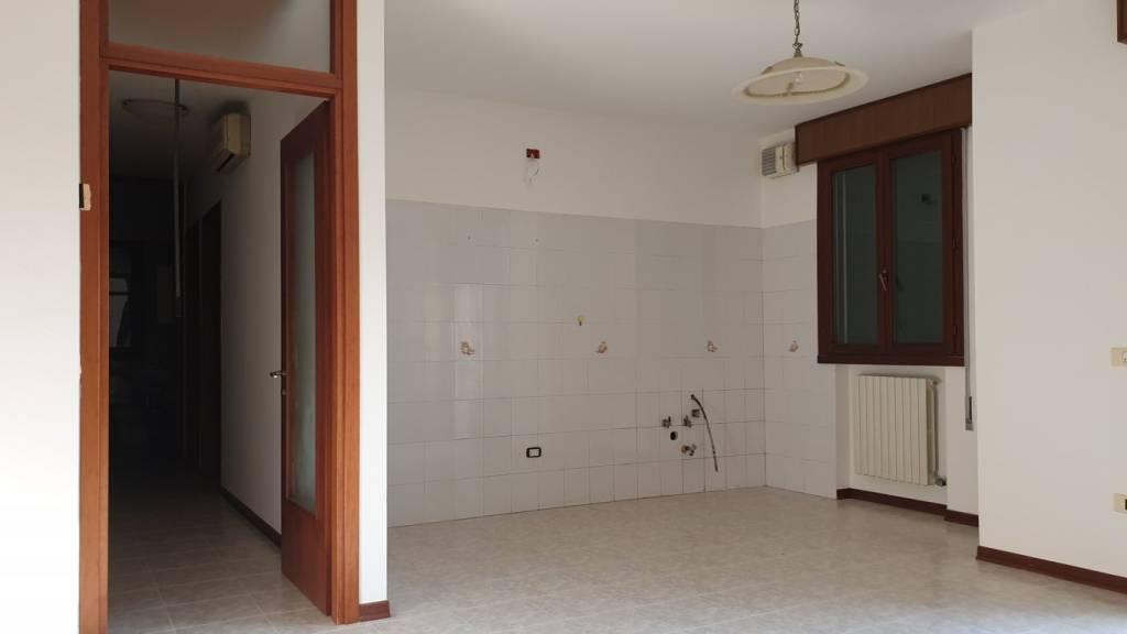 Appartamento in vendita a Campagna Lupia, 3 locali, prezzo € 99.000 | CambioCasa.it