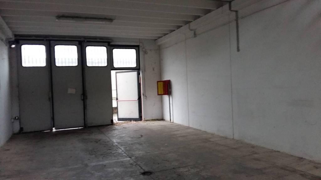 Capannone in affitto a Vignate, 1 locali, prezzo € 608 | PortaleAgenzieImmobiliari.it