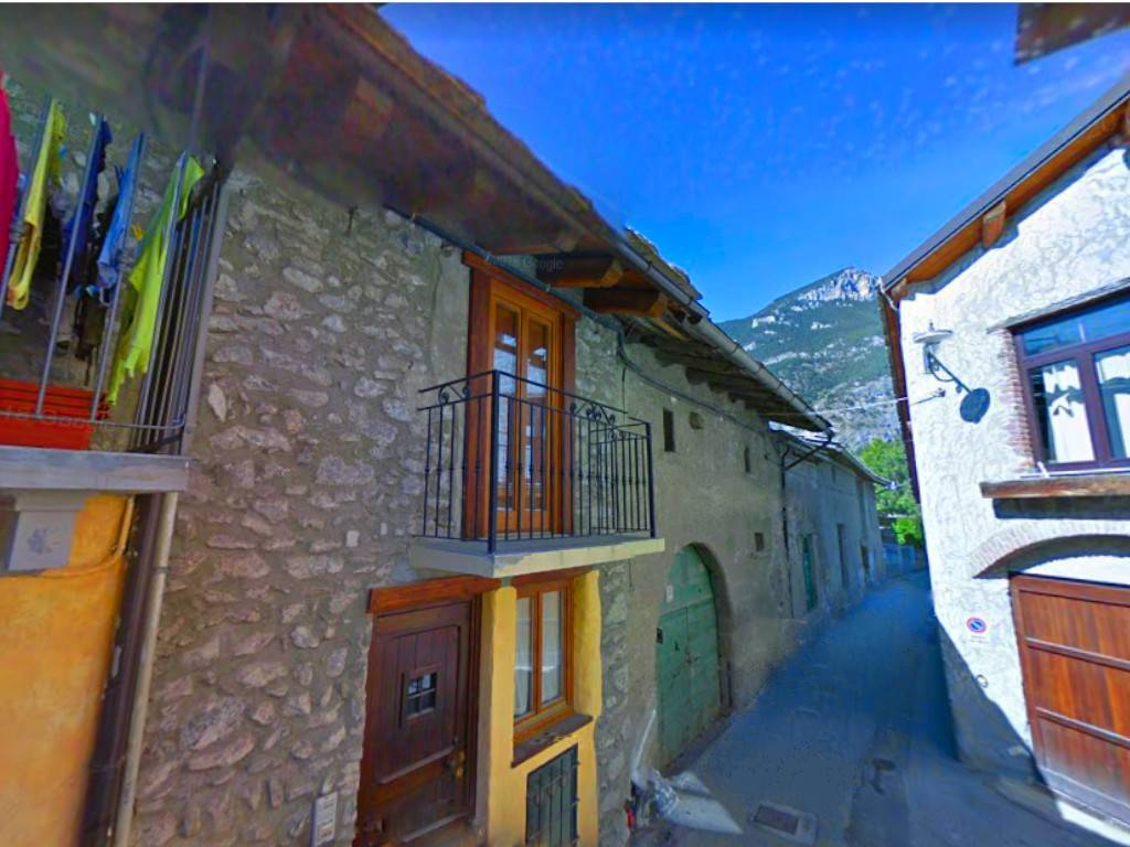 Appartamento in vendita a Oulx, 3 locali, prezzo € 64.000 | CambioCasa.it