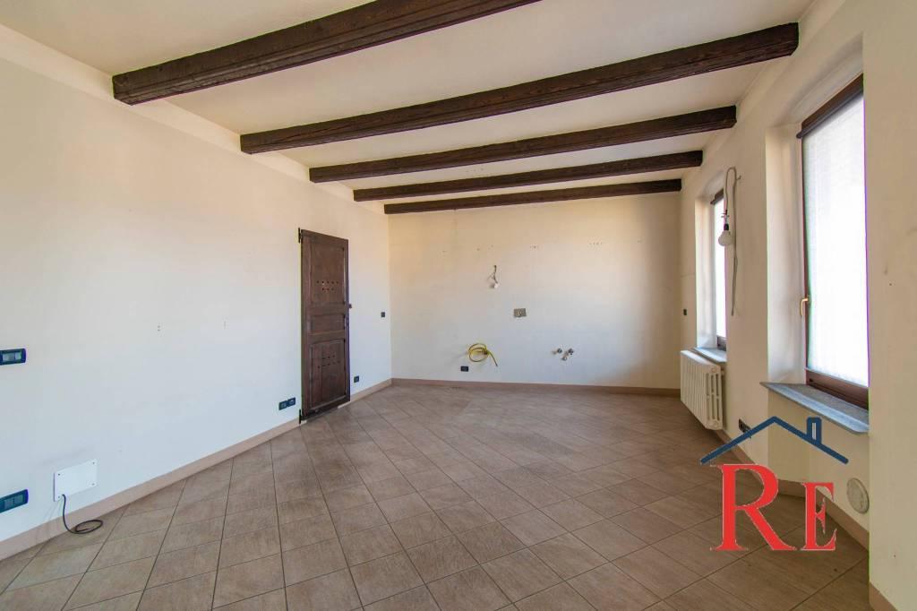Appartamento in affitto a Cavour, 3 locali, prezzo € 420 | PortaleAgenzieImmobiliari.it