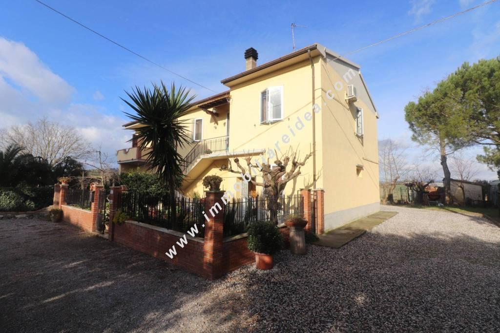 Villa in Vendita a Castellina Marittima Periferia:  3 locali, 80 mq  - Foto 1
