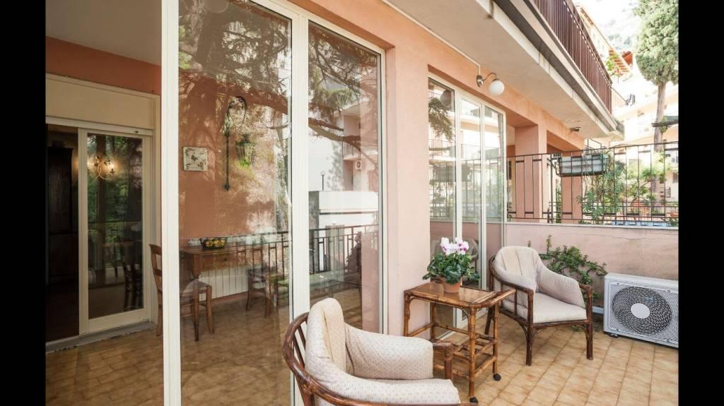 Appartamento in Vendita a Taormina Centro: 2 locali, 70 mq