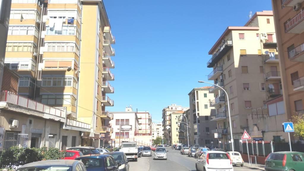 Appartamento in Affitto a Palermo Centro: 3 locali, 120 mq