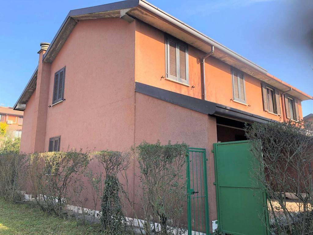 Villa a Schiera in vendita a Erba, 6 locali, prezzo € 205.000 | PortaleAgenzieImmobiliari.it