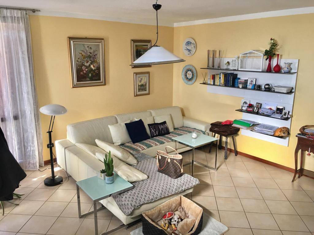 Villa in Vendita a Piacenza: 5 locali, 159 mq