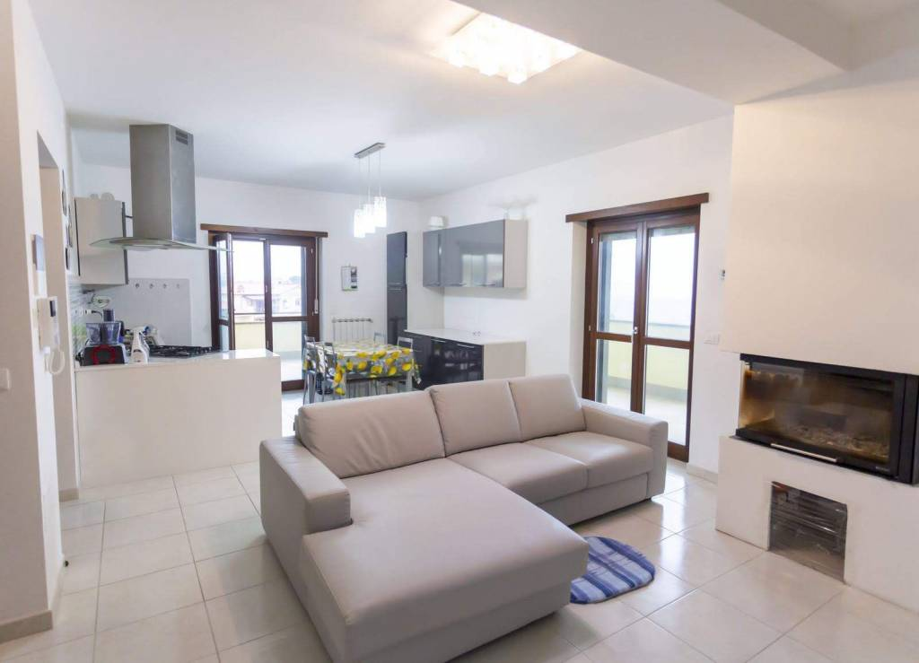 Appartamento in vendita a Vitorchiano, 3 locali, prezzo € 139.000 | PortaleAgenzieImmobiliari.it