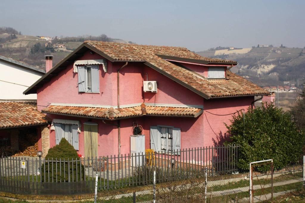 Villa in vendita a Canelli, 4 locali, prezzo € 175.000 | PortaleAgenzieImmobiliari.it