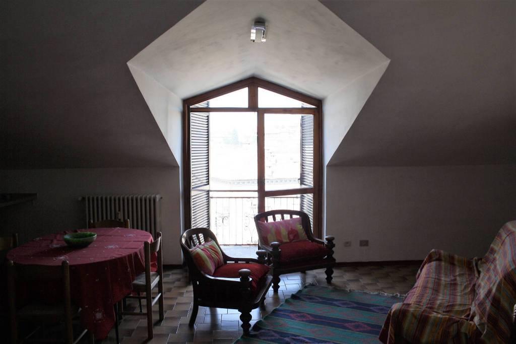 Attico / Mansarda in vendita a Castagnole delle Lanze, 2 locali, prezzo € 50.000 | PortaleAgenzieImmobiliari.it