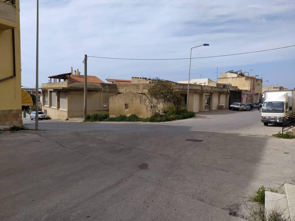 Negozio-locale in Vendita a Scicli Centro: 928 mq