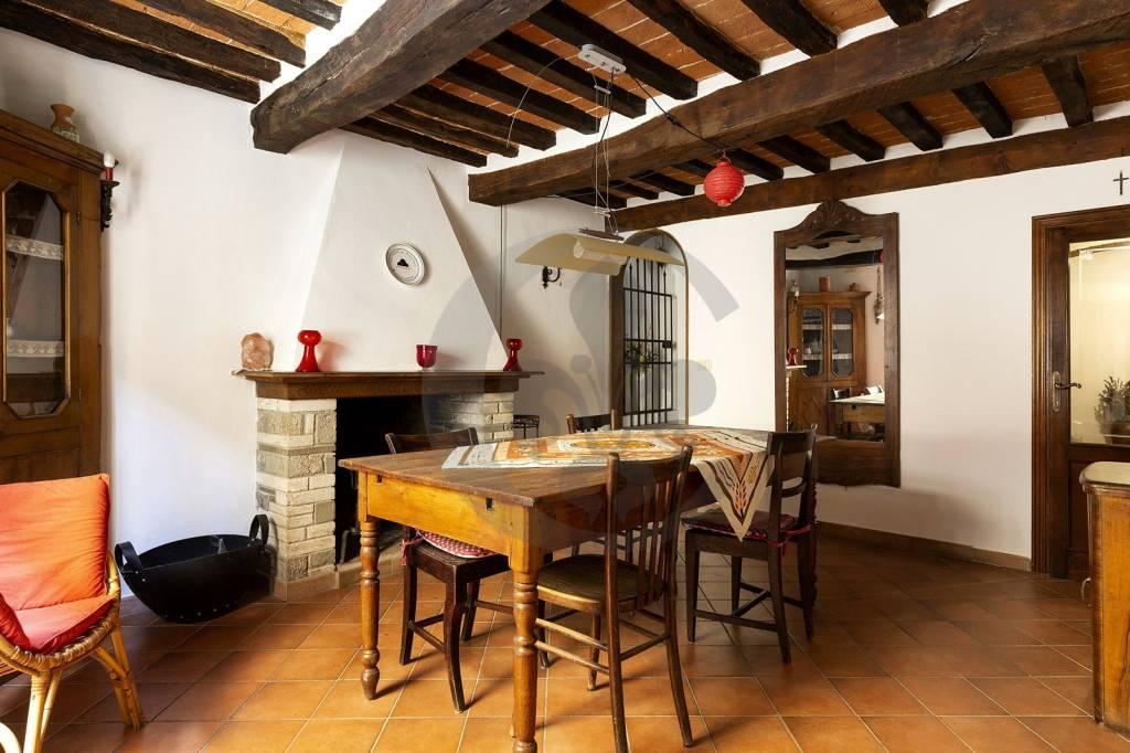 Casa Indipendente in buone condizioni arredato in vendita Rif. 6961387