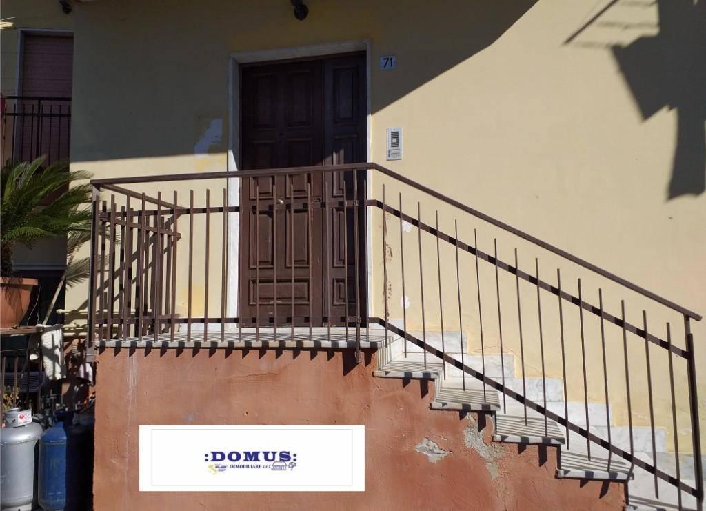 Appartamento in buone condizioni in affitto Rif. 8549741