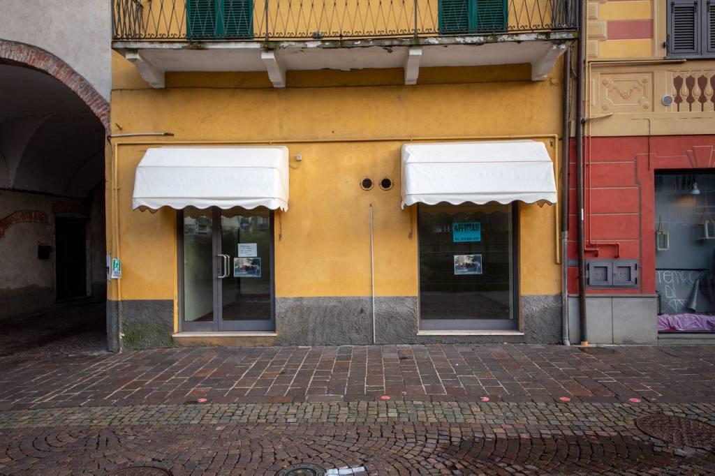 Negozio / Locale in vendita a Cairo Montenotte, 5 locali, prezzo € 200.000 | PortaleAgenzieImmobiliari.it