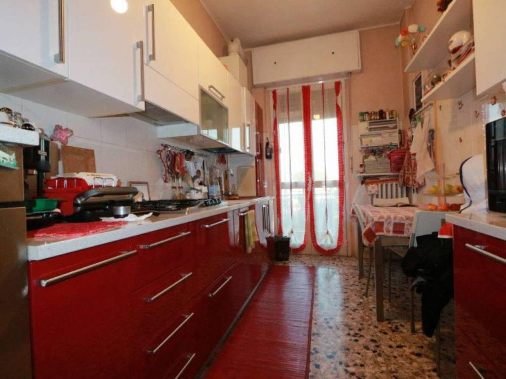 Appartamento in vendita a Saronno, 3 locali, prezzo € 129.000 | CambioCasa.it
