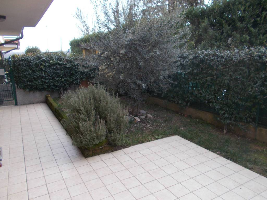 Appartamento in vendita a Fara Gera d'Adda, 3 locali, prezzo € 150.000 | CambioCasa.it