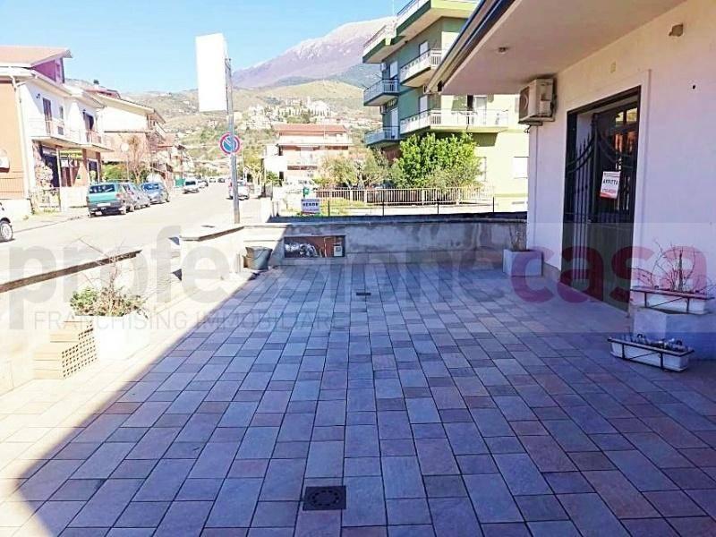 Negozio / Locale in affitto a Piedimonte San Germano, 1 locali, prezzo € 350 | CambioCasa.it