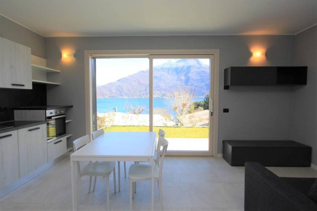 Appartamento in vendita a Pianello del Lario, 3 locali, prezzo € 250.000 | CambioCasa.it