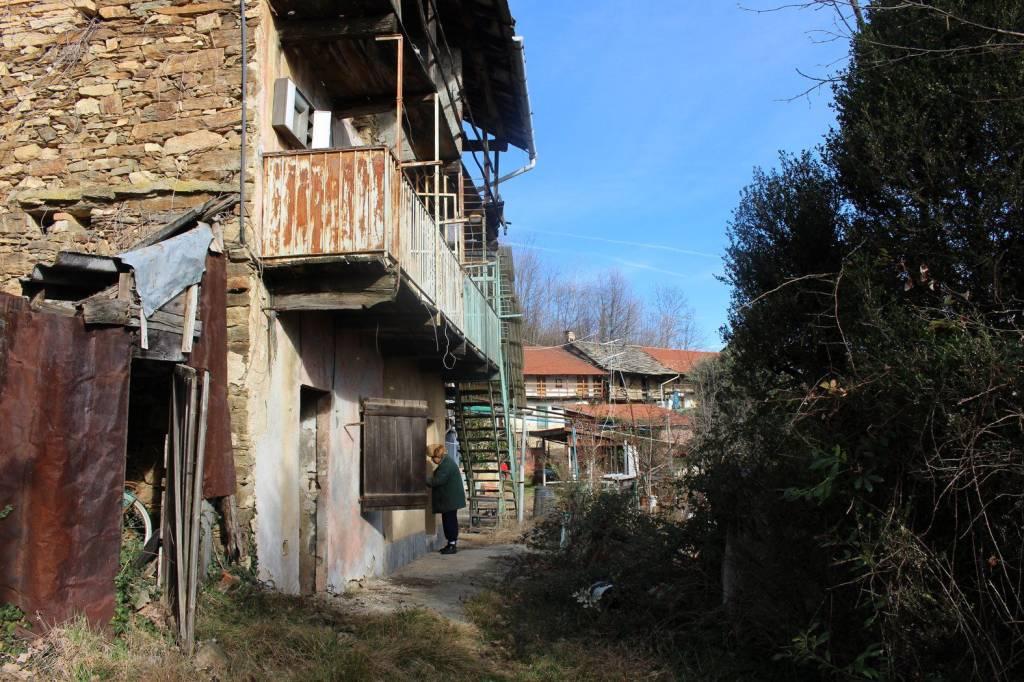 Foto 1 di Rustico / Casale Rocca Canavese