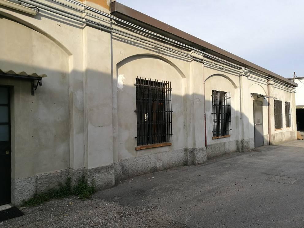 In Affitto - 6+6 a San Vittore Olona Capannone