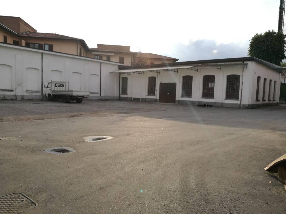 In Affitto - 6+6 Capannone a San Vittore Olona