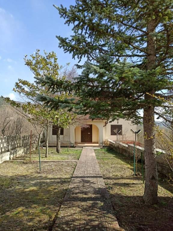 Casa immersa nel verde a Santa Maria del Molise