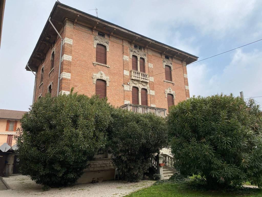 Villa in vendita a Chiari, 9 locali, prezzo € 365.000   PortaleAgenzieImmobiliari.it