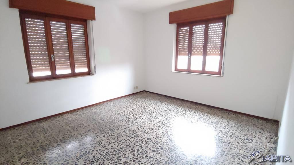 Appartamento in Affitto a Piacenza Semicentro: 3 locali, 100 mq
